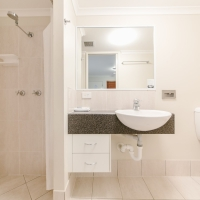Modern Executive Rooms ensuite