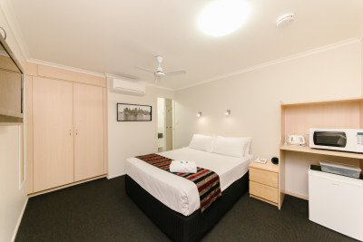 Rockhampton Accommodation 4 Star Executive Queen Room at Citywalk Motor Inn
